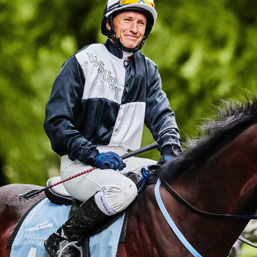 img: Trener i jeździec