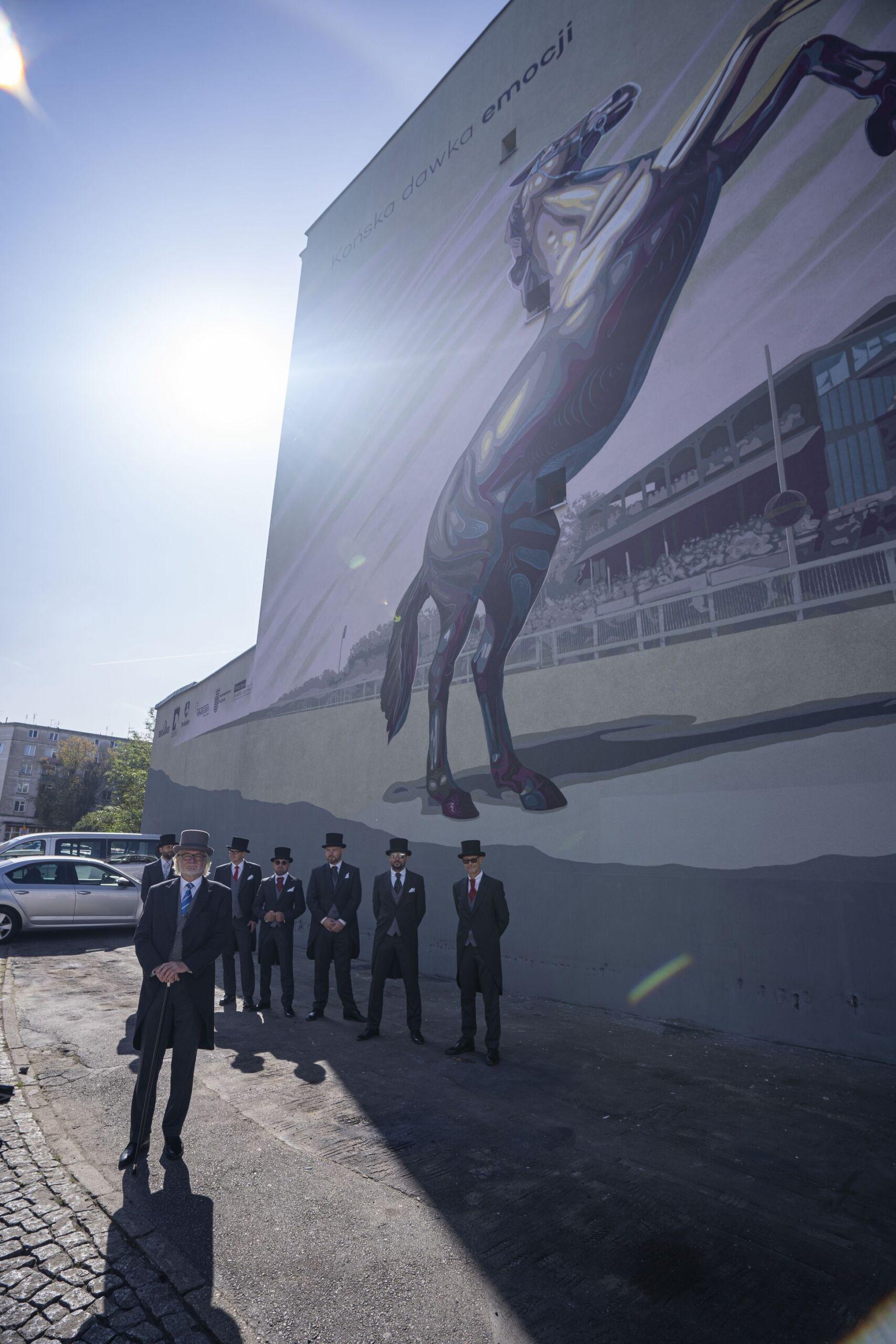img: Koński mural